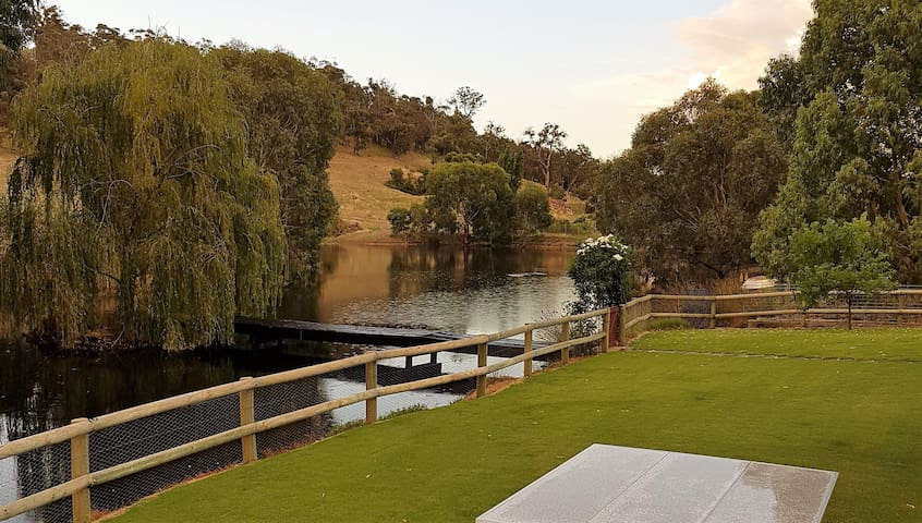 Sola Gratia Country Stay - Bullsbrook - Dom