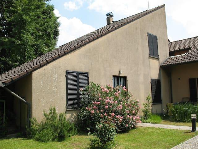 alloggio in villa vicino all'areoporto - San Francesco Al Campo - Lägenhet
