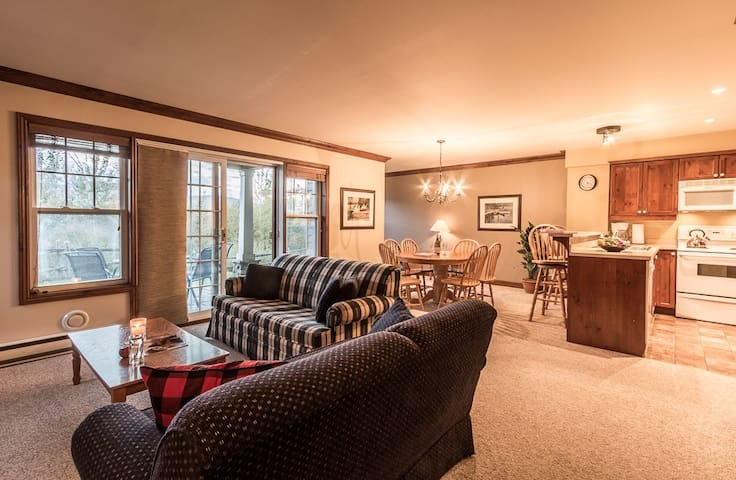 Cozy Condo With View of Slopes - Mont-Tremblant - Appartamento