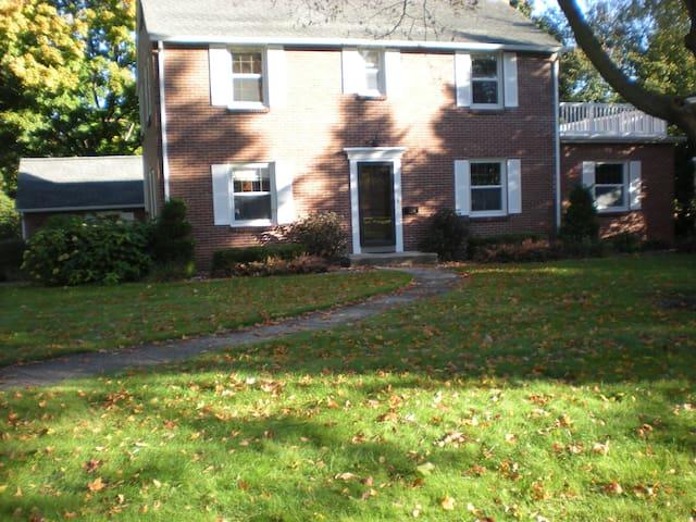Highland House - Hartford - Ev