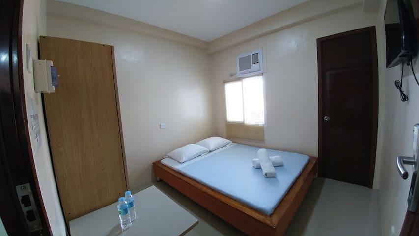 Cebu Courtyard 305 - Queen Bed - Lapu-Lapu City