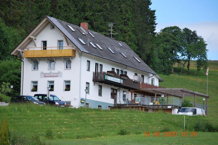 Gästezimmer im Südschwarzwald - Titisee-Neustadt - Bed & Breakfast