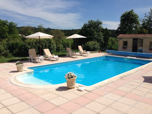 2 bed gite with heated pool - Grand-Brassac - Hus