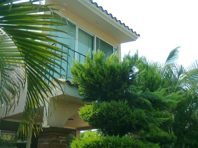 PRECIOSA CASA CON ALBERCA EN CUAUTLA, MORELOS - Cuautla - Haus