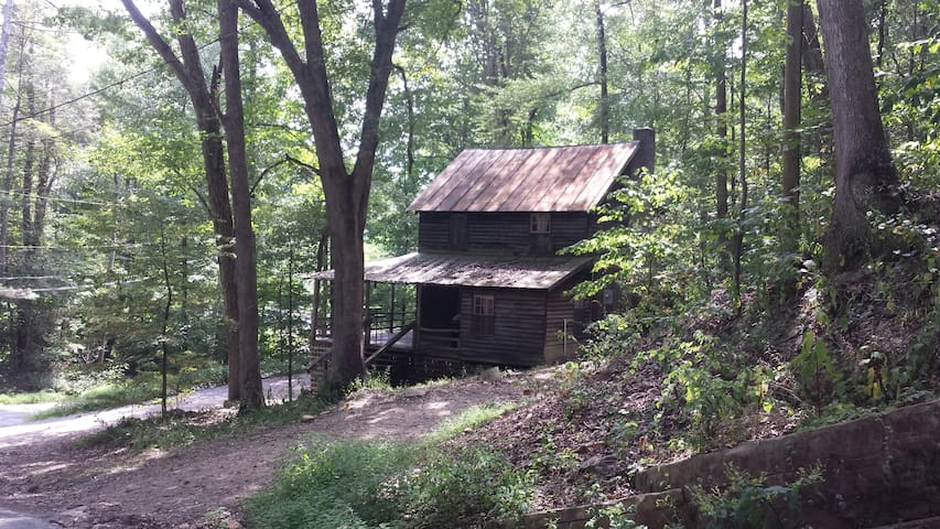 Very Very Rustic Cabin by the River-Walk to trails - Hinton - Casa