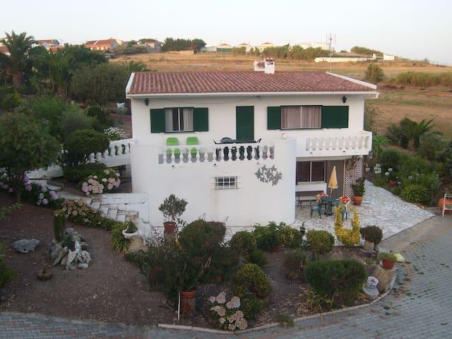 Vimeiro, a cottage w/ beach at 3min - Vimeiro - Rumah