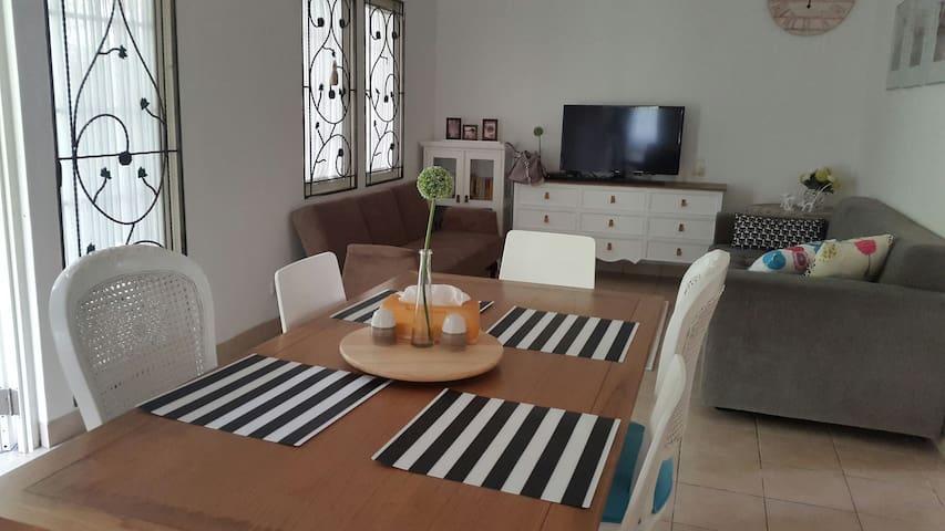 Lovely White Charming House (House of Lumiere) *** - Sentul City Bogor - Casa