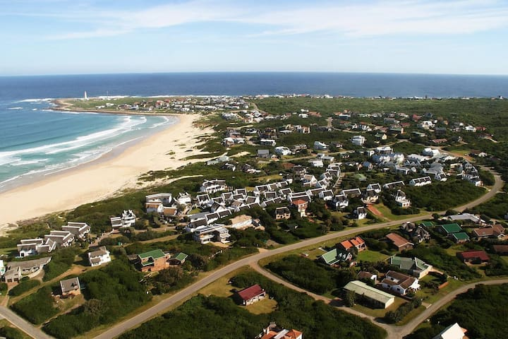 Self catering Cottage, in a beach resort - Cape Saint Francis - Huis