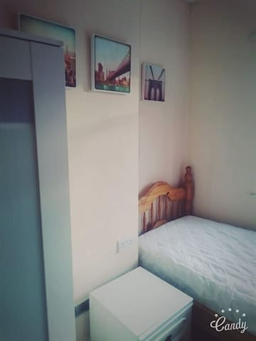 Excellent Single Room Available in Bearwood. - Smethwick - Huis