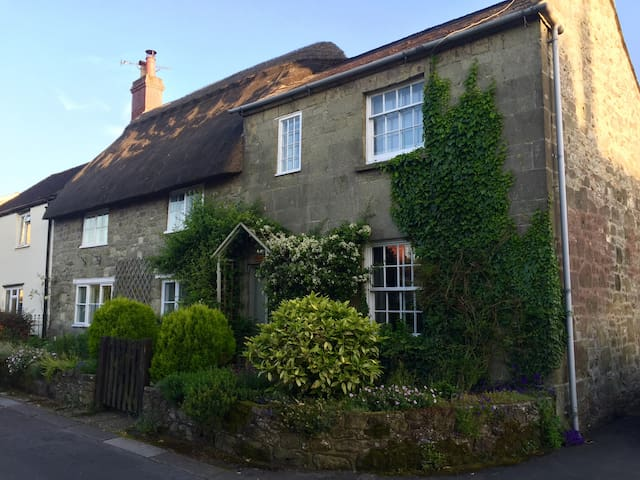 16th Century Cottage in the heart of Shaftesbury - Shaftesbury - Huis