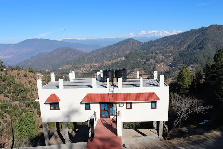 own holiday home in hills amidst fruit orchards. - Nathuwakhan - Casa
