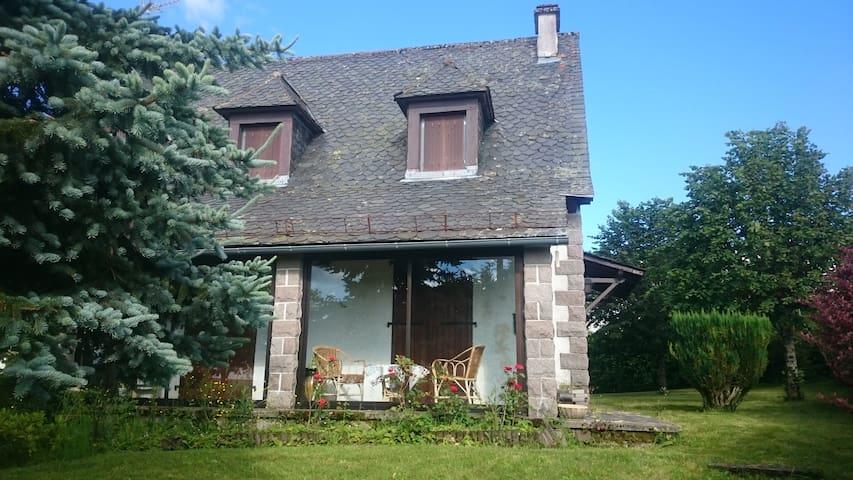 maison récente type traditionnelle - Trizac - Huis