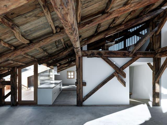 Architektur Highlight - historisches Patrizierhaus - Samedan - Departamento