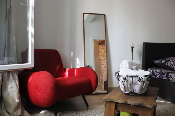 Apartment in town center, ideal for a couples - Lunel - Appartement