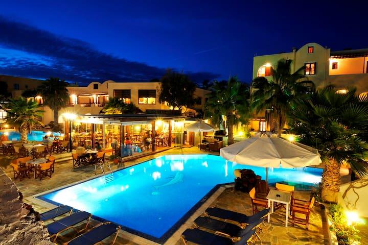 Cozy double room , sea view - Akrotiri - Hotel boutique
