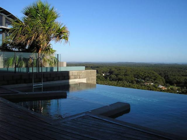 Port Stephens Apartment beach pool and views! - Boat Harbour - Квартира
