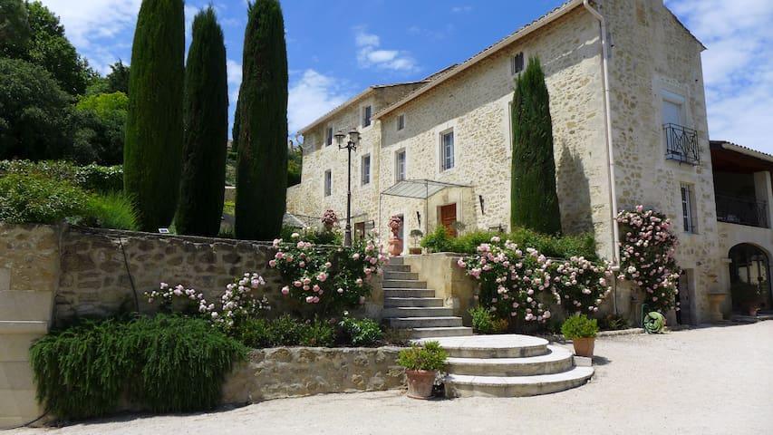 Proche Avignon, Bastide XVIIIe, Vue Mont Ventoux - Sauveterre - Apartament