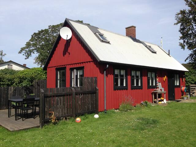 Cabin 'By the Red House' - Helsingborg - Houten huisje