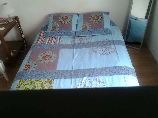 NANCY 3 : Bedroom for 2 adults and children. - Chaligny/Nancy