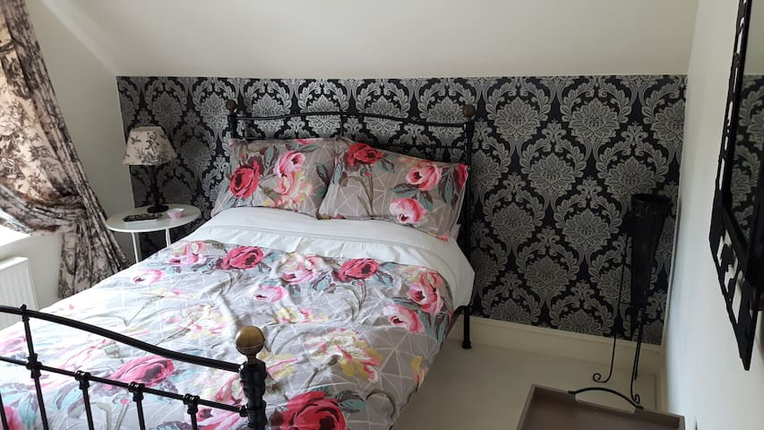 Luxury Dbl Bed+airy bed-sitting room, Newmarket Rd - Norwich - Bed & Breakfast