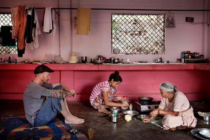 Laidback Ashram Homestay - Omkareshwar - Ev