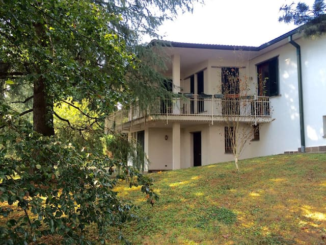 Camere private in villa con parco - Arcore - Casa