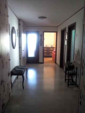 Appartamento zona centrale - Saint-Vincent - Leilighet