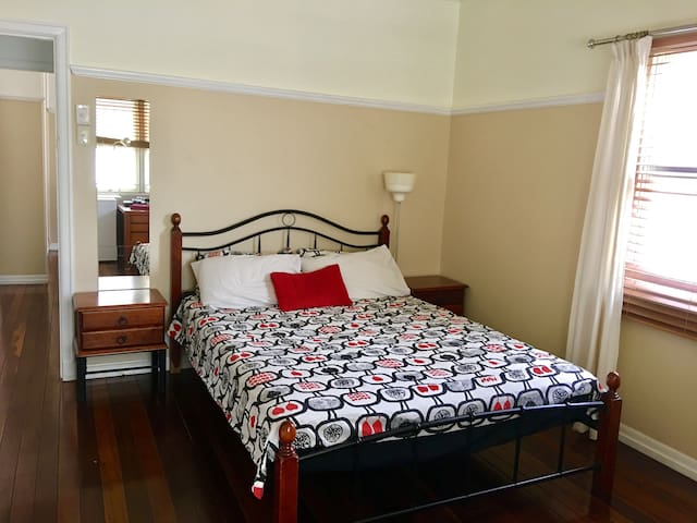 Hope Cats Lodge, Brisbane South - Queen Bed - Hawthorne - Casa