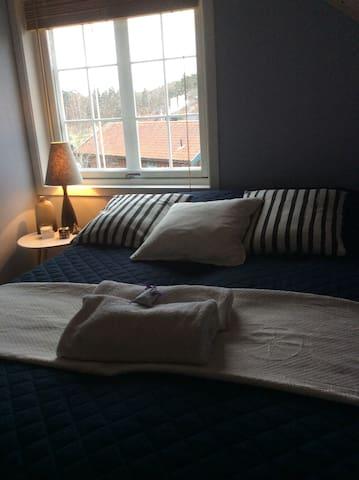Nice, cozy rooms &600m to the downtown of Tønsberg - Nøtterøy - Hus