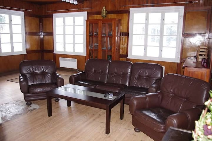 Spacious, rustic Treppoja villa - Kloogaranna