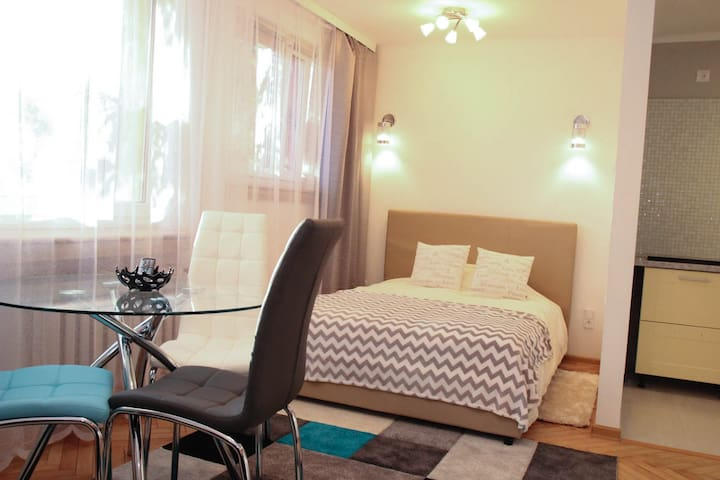 Apartment Sapphire Time - Łódź - アパート