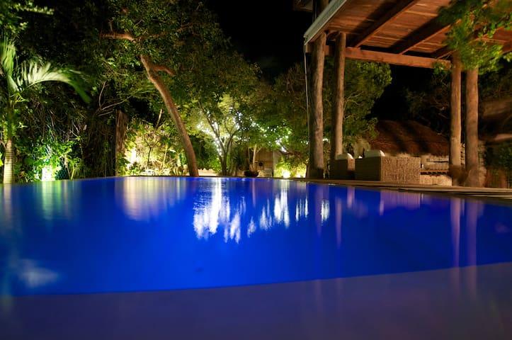 Caribbean Jungle Tree House - Isla Mujeres - Hus