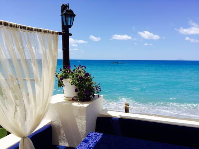 Casa vacanza sul mare con vista Eolie - Capo d'Orlando - Apartamento