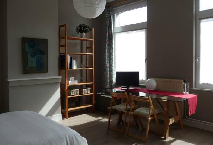 Chambre privée avec salle de bain - Uccle - Bed & Breakfast