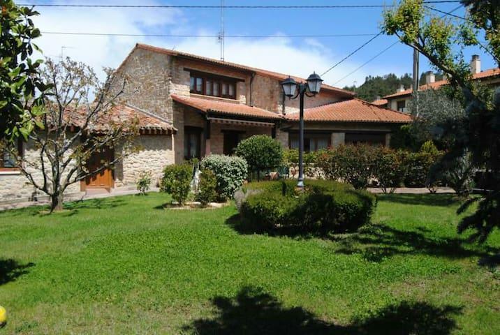 House in village near vitoria For 7 people - Estavillo - Huis