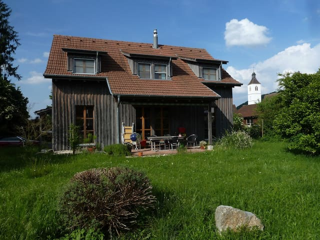Rooms in charming wooden house A - Rodersdorf - Casa