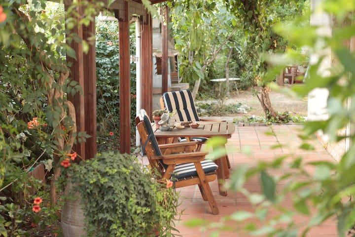 Apt. in Thessaloniki w nice garden - Panorama - Leilighet