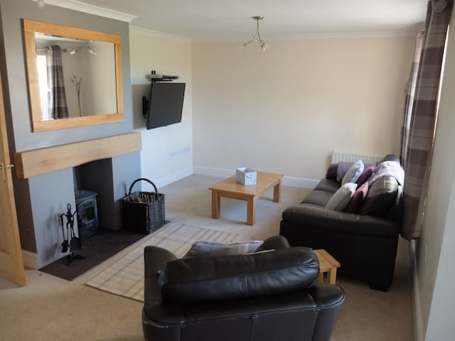Modern Serviced House in village location - Cumbria - Hus