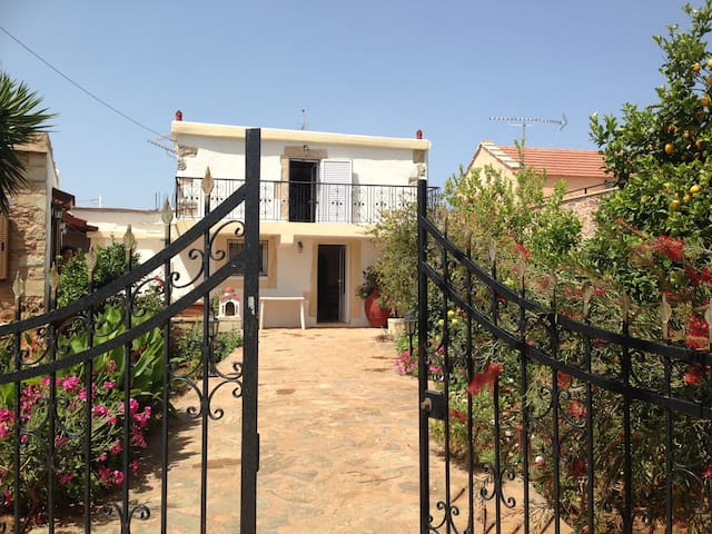 Traditional Cretan House to rent - Chania