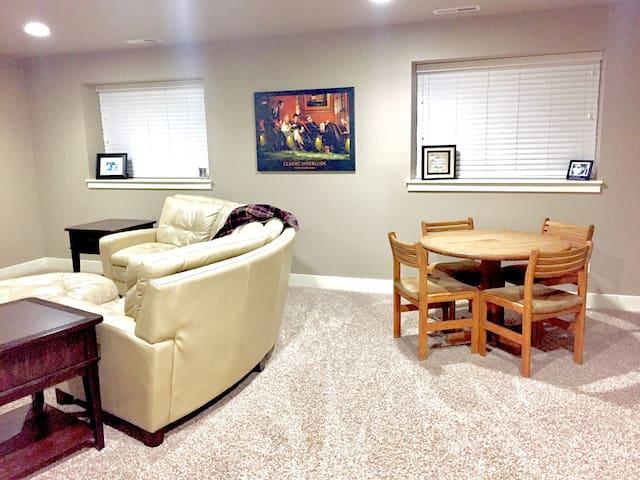 New. Comfortable quiet home. - Billings - Rumah