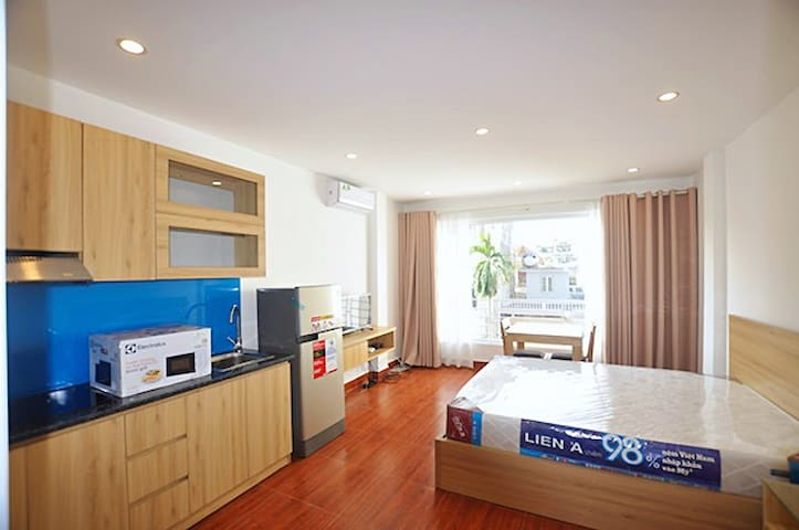 Nice and New Apartment Near West Lake in Hanoi - VN - Leilighet