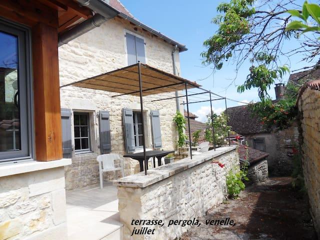 Très jolie maison paysanne rénovée - Les pechs du vers - Rumah