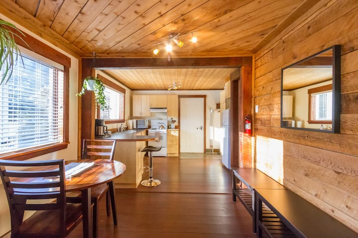 A Bright Beautiful Mountain Retreat - Pemberton - Pemberton