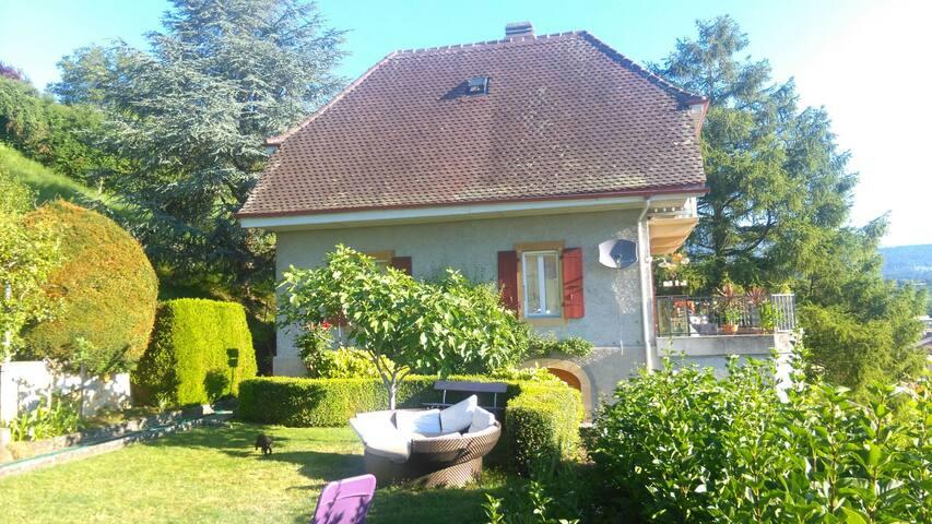 Chambre dans maison vigneronne - Cortaillod - Villa