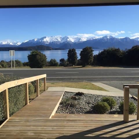 Manapouri lake house - Manapouri - Huis