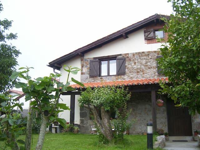 Casa Rural Altuena,Bilbao,Vizcaya,San Sebastian - Amoroto