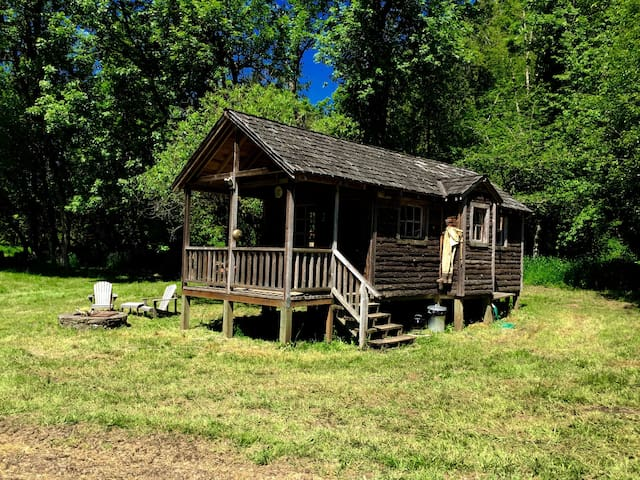 Charming rustic wood cabin - Canby - Stuga