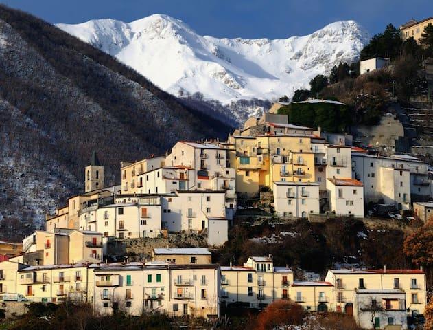Monolocale nel Parco Nazionale d'Abruzzo - Pizzone - Apartemen