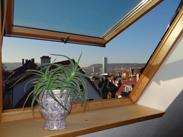 attraktives 2-Zimmer-Apartment mit Ausblick - Jena - Lägenhet