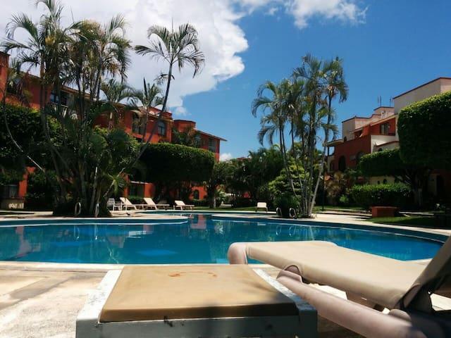 TinyRM Downtown w/Breakfast + Pool & HiSpeed WiFi - Cancún - Bed & Breakfast